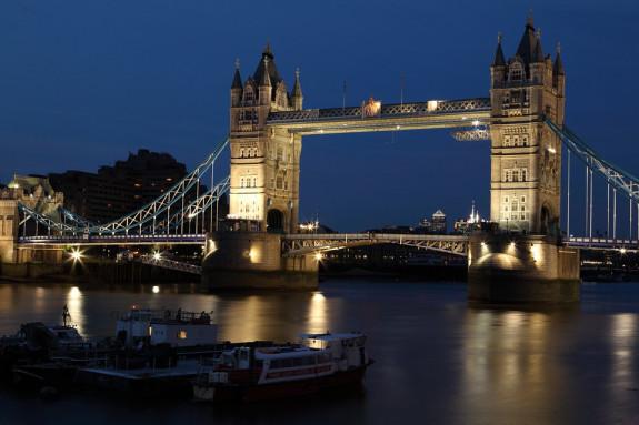 Лондон обычно узнают по мосту