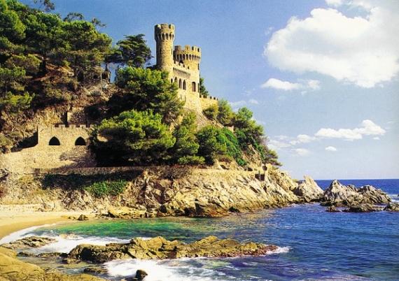 Путешествие в Испанию может быть очень увлекательным и познавательным