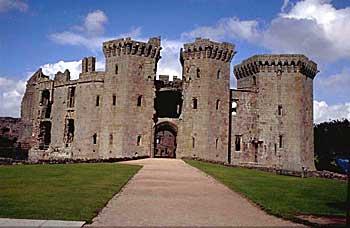 Шотландский замок Макдогли