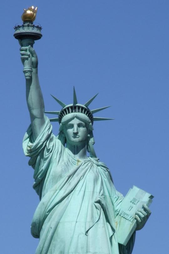 Статуя Свободы на ремонте